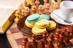 Bolo no tabuleiro de xadrez Fotografia de Stock Royalty Free