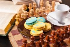 Bolo no tabuleiro de xadrez Foto de Stock Royalty Free