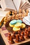 Bolo no tabuleiro de xadrez Imagens de Stock Royalty Free