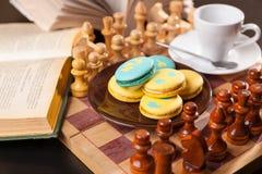 Bolo no tabuleiro de xadrez Fotografia de Stock