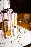 Bolo panado com gelado e fruto Fotos de Stock Royalty Free