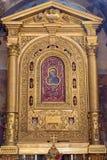 Bologna - altare del della Consolazione di Compagnia di della di Cappella della cappella. dal centesimo 17. in chiesa San Giacomo  Immagine Stock