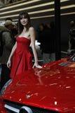 Mercedes und Showmädchen Stockfotos