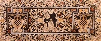 Bologna - część boczny ołtarz kościelny San Martino St Edward jako cenetral motyw Zdjęcie Stock