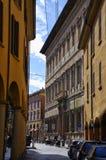 Bologna, Italien - April, 17, 2017: Straßen in der Mitte von Bologna am 17. April 2017, Italien Lizenzfreie Stockbilder
