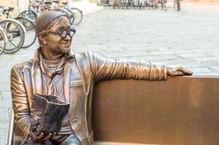 Bologna Italien, mars 19 2016: staty i heder av den berömda Itaen Fotografering för Bildbyråer