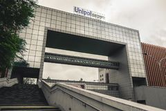 Bologna Italien, 10 September 2017: Den Gruppo Unipol byggnaden i Zona Fotografering för Bildbyråer