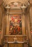 Bologna - sidoaltare av Chiesa di San Gregorio e San Siro med dopet av Kristusplatsen av Annibale Carracci. Arkivfoton