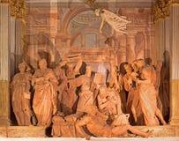 Bologna - transport av Madonna är en grupp av 14 statyer i terrakottan (1522) vid Alfonso Lombardi i Oratorium de Batutti Arkivfoton