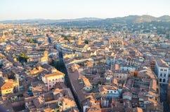 Bologna van hierboven bij zonsondergang, Emilia Romagna Region Italy 26 FEBRUARI, 2016 Stock Afbeelding