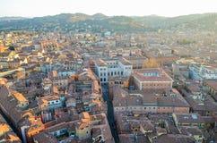 Bologna van hierboven bij zonsondergang, Emilia Romagna Region Italy 26 FEBRUARI, 2016 Royalty-vrije Stock Afbeeldingen