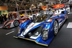 BOLOGNA, WŁOCHY - 2 Peugeot GRUDZIEŃ 2010 eksponowali przy Bologna Motorowym przedstawieniem 908 HDI FAP 2010 24 godziny Le Mans obraz royalty free