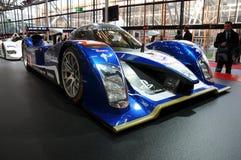 BOLOGNA, WŁOCHY - 2 Peugeot GRUDZIEŃ 2010 eksponowali przy Bologna Motorowym przedstawieniem 908 HDI FAP 2010 24 godziny Le Mans fotografia stock