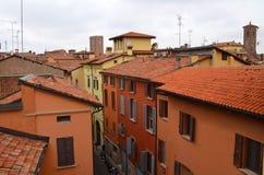 Bologna, Włochy: miastowa architektura w centrum miasta Zdjęcie Royalty Free