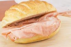 bolognasmörgås arkivbild
