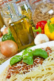 bolognese ingredienser oil olive pastaspagetti Royaltyfria Foton