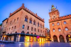 Bolonha, Itália - Palazzo Comunale na praça Maggiore fotografia de stock royalty free