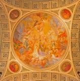 Bolonia - cúpula lateral de la iglesia de St Peters Fotos de archivo libres de regalías