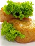 Bolos da coalhada de feijão com alface Imagens de Stock