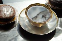 Bolos da xícara de café e de chocolate Foto de Stock