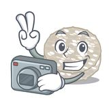 Bolos de arroz do fotógrafo servidos na placa dos desenhos animados ilustração stock