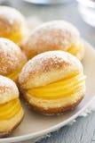 Bolos de Berlim oder Berlin Balls, Fried Dough mit süßem Ei Lizenzfreie Stockfotografie