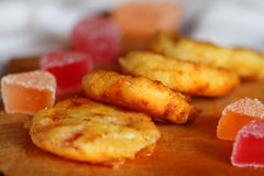 Bolos de queijo/geleia do frito e de fruto Fotografia de Stock Royalty Free