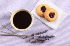 Bolos e café da cereja Foto de Stock Royalty Free