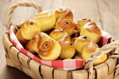 Bolos suecos do açafrão, lussekatt Foto de Stock