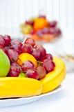 Bols de fruit assorti Images libres de droits