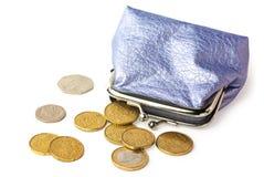 Bolsa com o dinheiro de bolso isolado no branco Fotografia de Stock Royalty Free