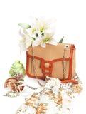 Bolsa de couro das senhoras com flores Imagens de Stock