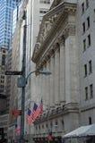 A Bolsa de Nova Iorque, Wall Street Imagens de Stock Royalty Free