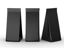Bolsa de papel doblada negro con la trayectoria de recortes Imagenes de archivo