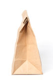 Bolsa de papel en el fondo blanco. Foto de archivo