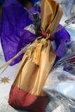 Bolsa del vino de la lavanda Fotos de archivo