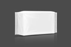 Bolsa mojada de papel de empaquetado en blanco de los trapos aislada en gris Foto de archivo