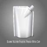 Bolsa plástica realista blanca en blanco con el casquillo, Fotografía de archivo