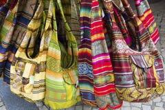 Bolsas coloridas da lona fotografia de stock