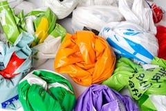 Bolsas plásticas de las compras Imágenes de archivo libres de regalías