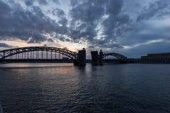 Bolsheohtinsky Brücke stockfotos