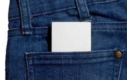 Bolsillo de los pantalones vaqueros Textura del dril de algodón con la nota blanca Fotografía de archivo