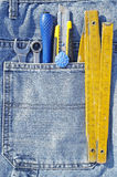 Herramientas y bolsillo de los vaqueros Fotos de archivo libres de regalías