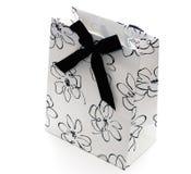 Bolso blanco y negro del regalo foto de archivo libre de regalías