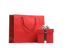 Bolso de compras y rectángulo de regalo Imágenes de archivo libres de regalías