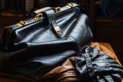 Bolso de cuero negro Fotos de archivo libres de regalías