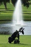 Bolso de golf en el campo de golf Foto de archivo libre de regalías