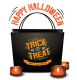 Bolso de Halloween del truco o de la invitación con la luna verde Foto de archivo libre de regalías