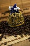Bolso de los granos de café Fotografía de archivo libre de regalías