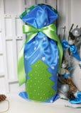 Bolso de los regalos por la Navidad y el Año Nuevo fotografía de archivo libre de regalías